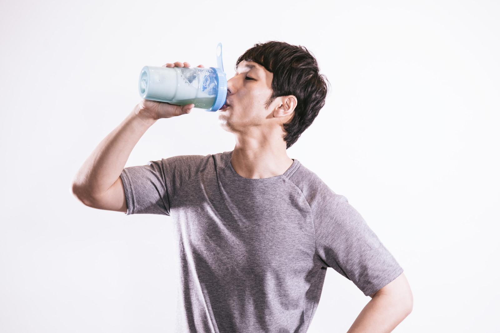 筋トレに効果的なプロテインを飲むタイミング・飲む量は?