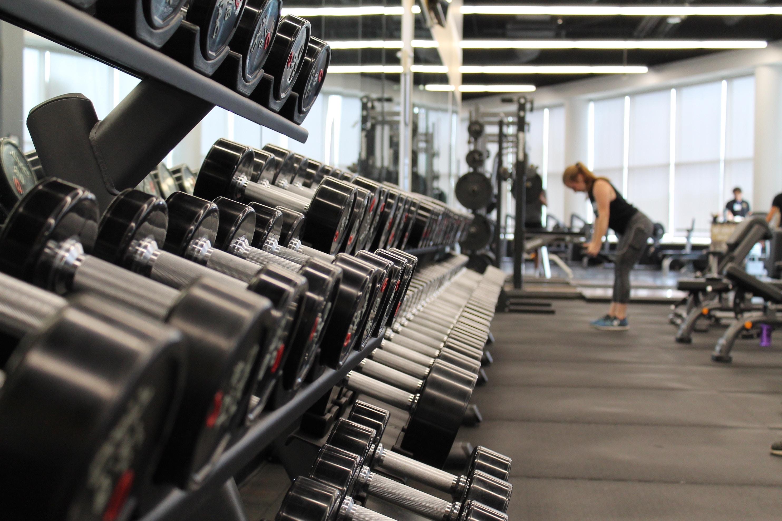 筋肥大に効果的な筋トレの頻度は?ナチュラルは各部位週2回